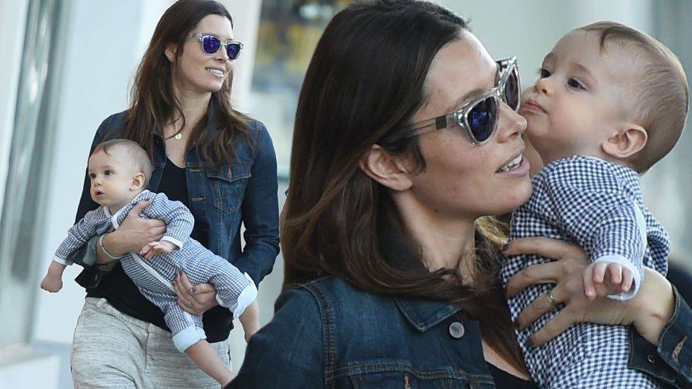 Jessica-Biel-Baby-Silas-Randall-Walking